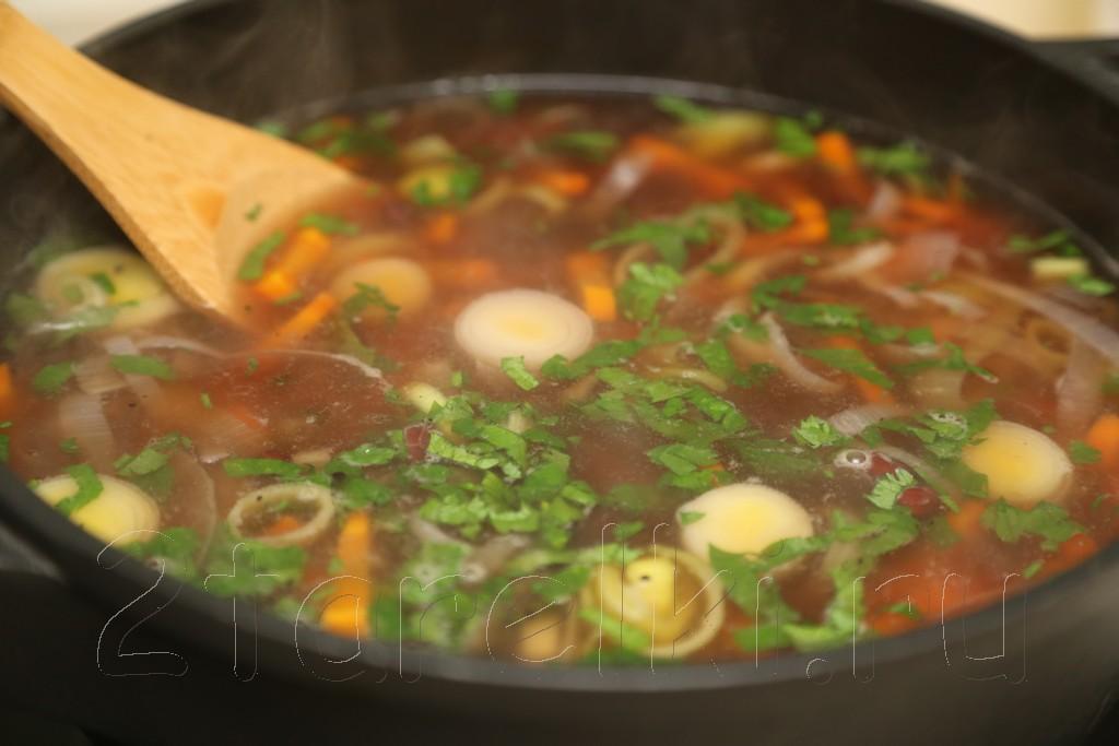 Фасолевый суп из рульки 9