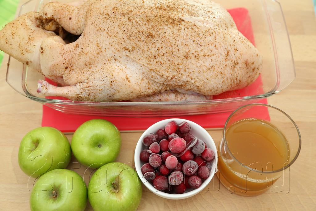 Утка с клюквой и яблоками 2
