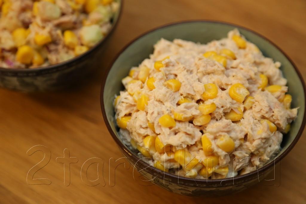 Закусочный салат из тунца и кукурузы 3