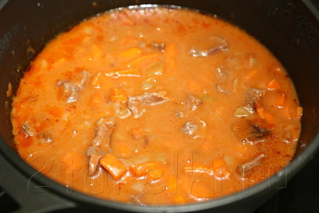 Тушеное мясо в томатном соусе 10
