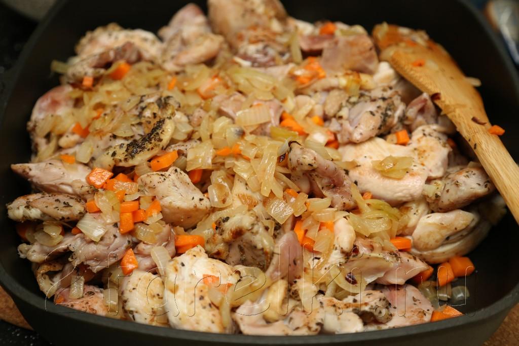 Жаркое из курицы с черносливом по-гречески 10
