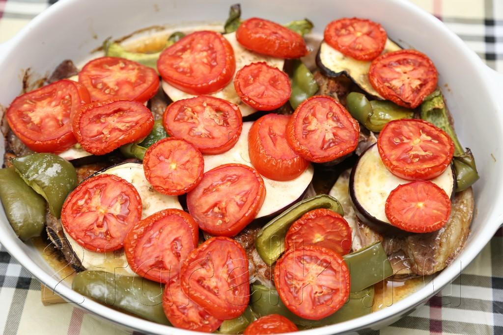 Баранина, запеченная с овощами 11