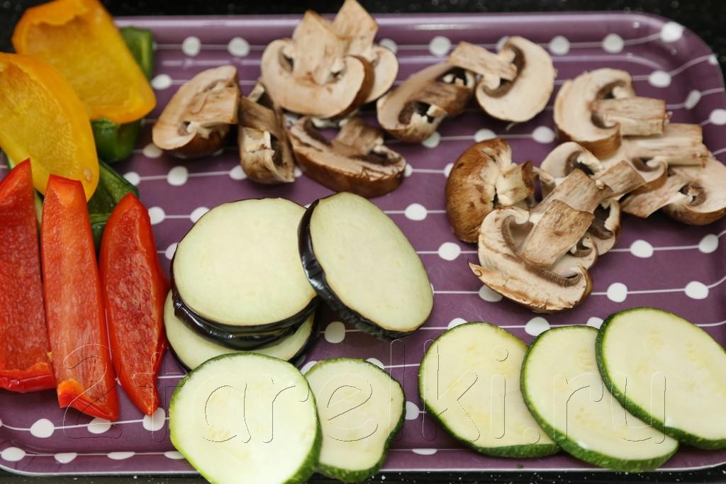 Брускетта с овощами и грибами 3