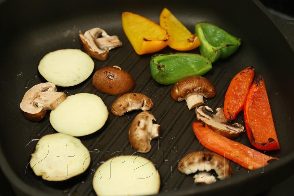 Брускетта с овощами и грибами 4