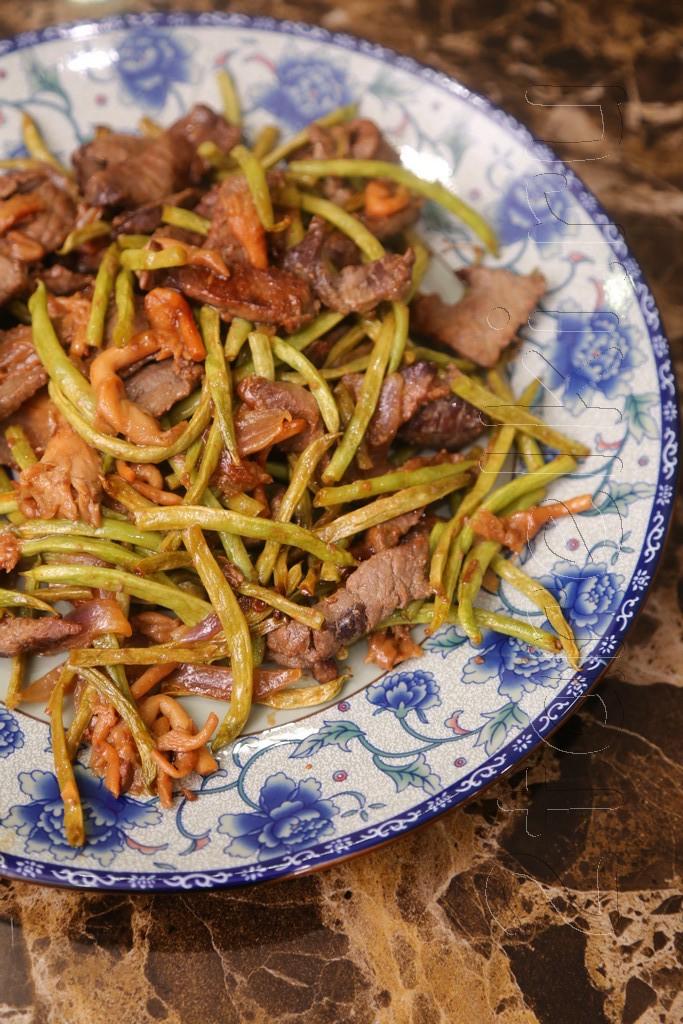 Говядина с вешенками и фасолью «стир фрай»