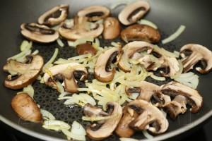 Салат с шампиньонами и рукколой 6