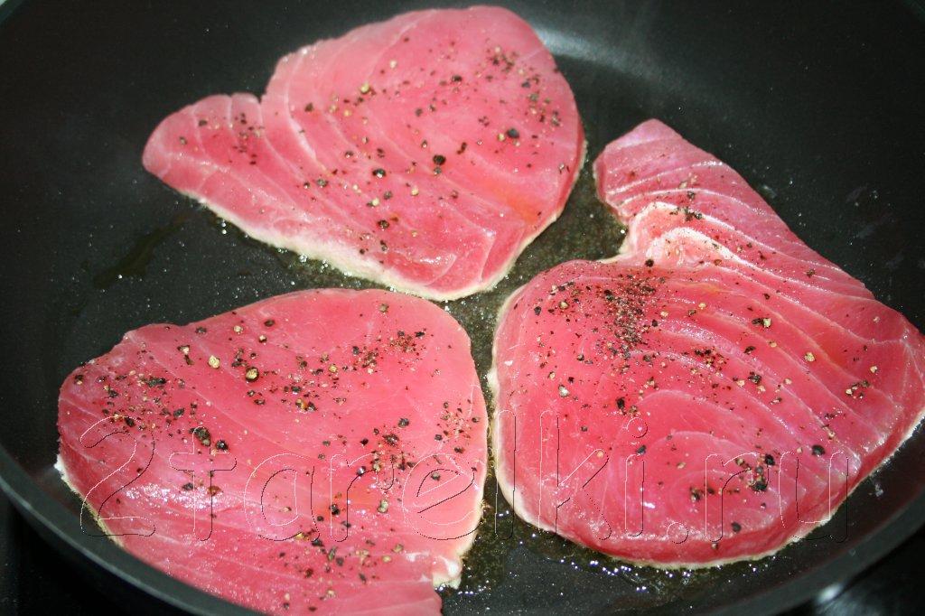 Котлеты из тунца с йогуртовым соусом – кулинарный рецепт