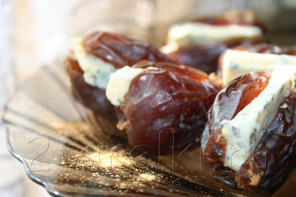 Финики с сыром
