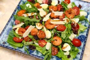 Салат из рукколы и креветок 5