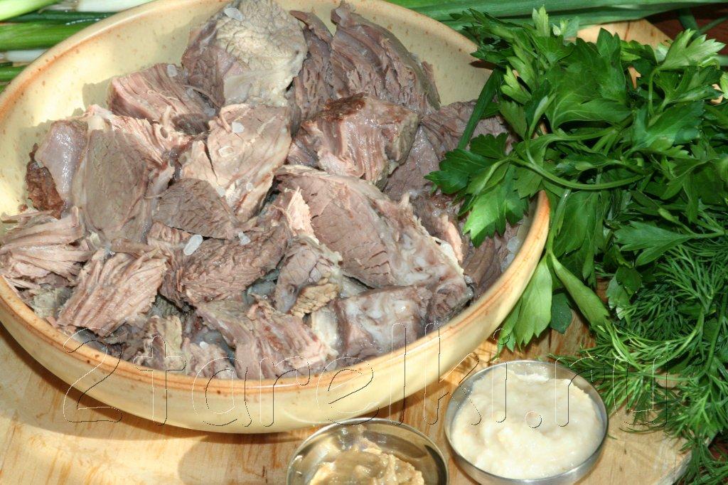 отварное мясо с зеленью