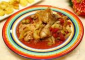 Курочка по-испански с перцем и оливками