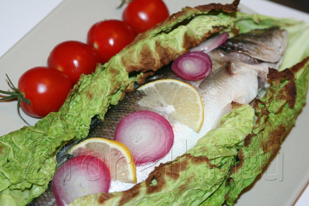 сибас в савойской капусте