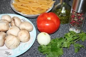 Паста с говядиной, лисичками и сливками – кулинарный рецепт