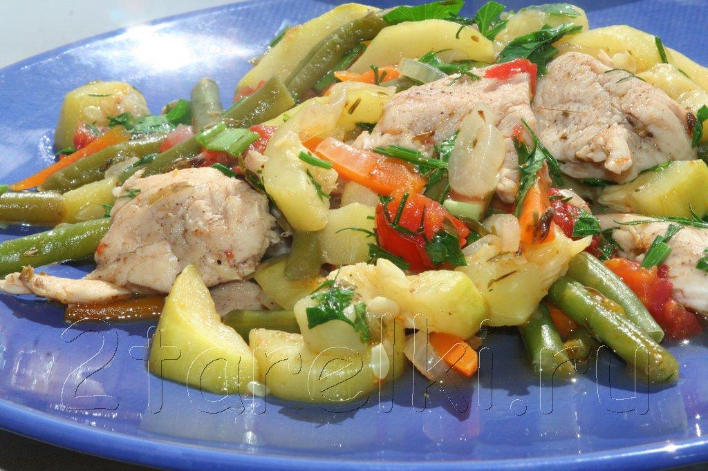 Летнее рагу из курицы с овощами