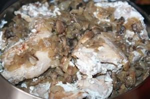 IMG 6709 300x199 Кролик с грибами в сметанном соусе