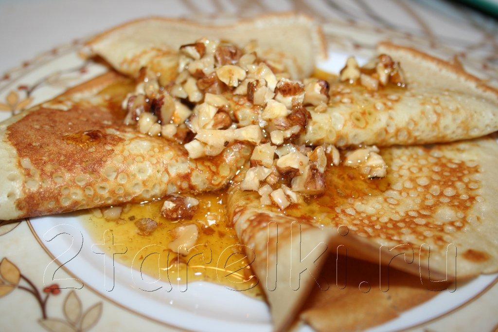 Блинчики с медом и орешками
