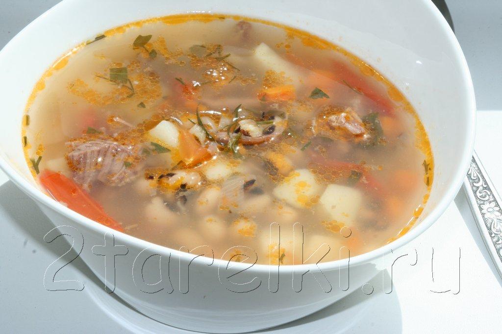 """Суп из говядины с фасолью """"черный глаз"""""""