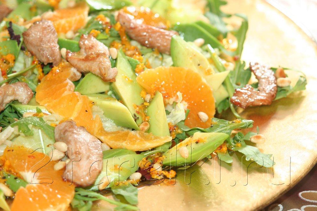 Рождественский салат из индейки с мандаринами