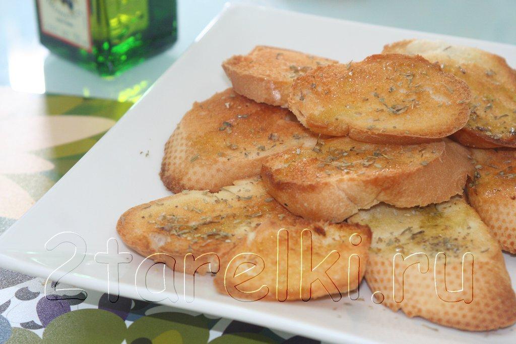 Ароматные чесночные гренки с оливковым маслом