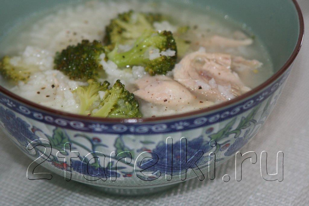 Рисовый суп с курицей и брокколи