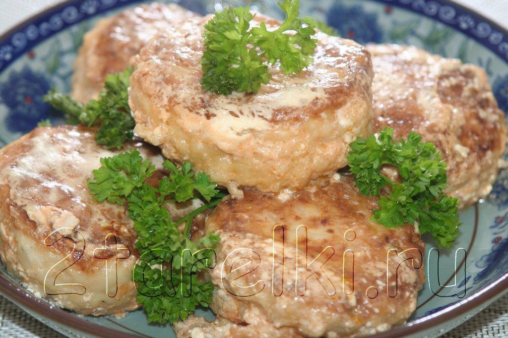 Куриные тефтели с рисом и кабачками
