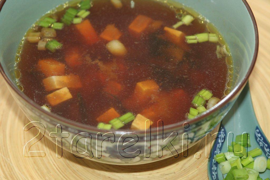 Суп мисо с тофу и вакаме