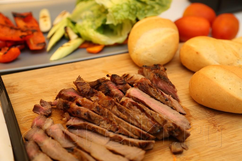 Сэндвичи со стейком и овощами 5