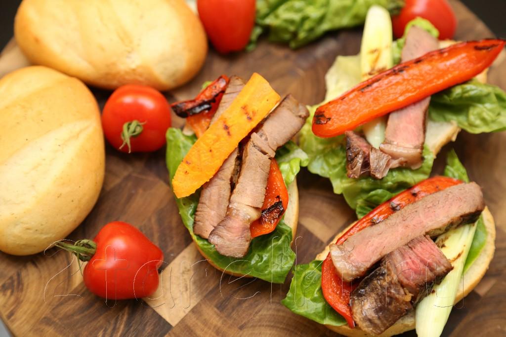 Сэндвичи со стейком и овощами