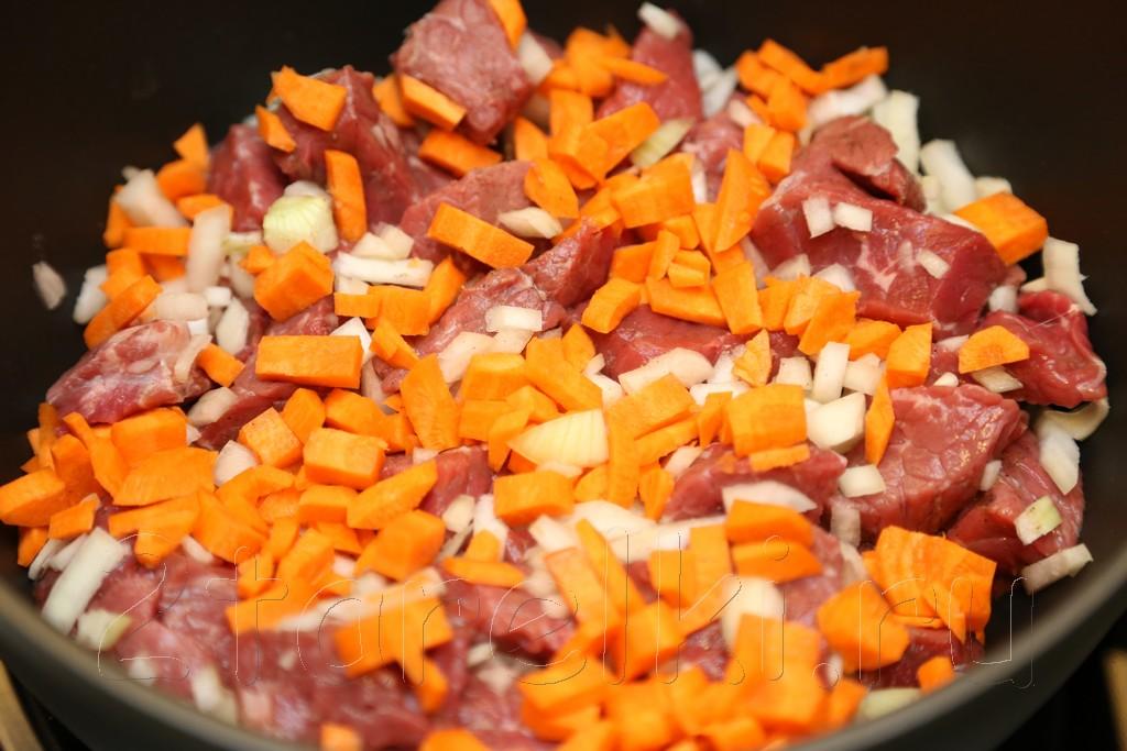 Тушеная говядина с картофелем 7