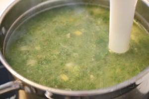 Крем суп со шпинатом и креветками 8