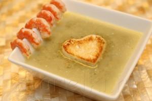 Крем суп со шпинатом и креветками 10