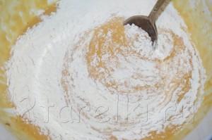 Пасхальный кулич с орехами и изюмом 6