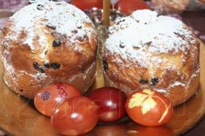 Пасхальный кулич с орехами и изюмом 12