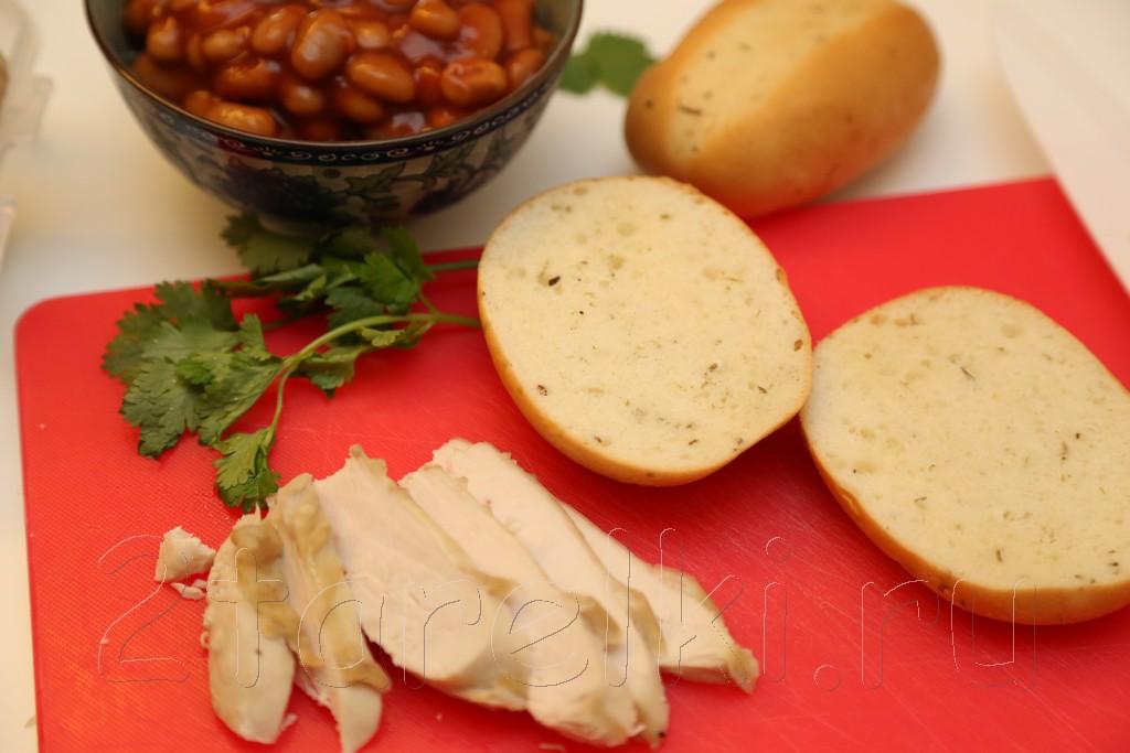 Бутерброды с курицей и фасолью 2