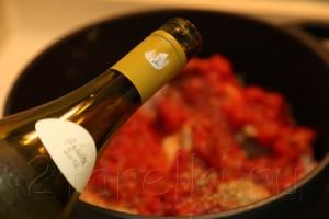 Кролик по-итальянски с томатном соусе с базиликом 9
