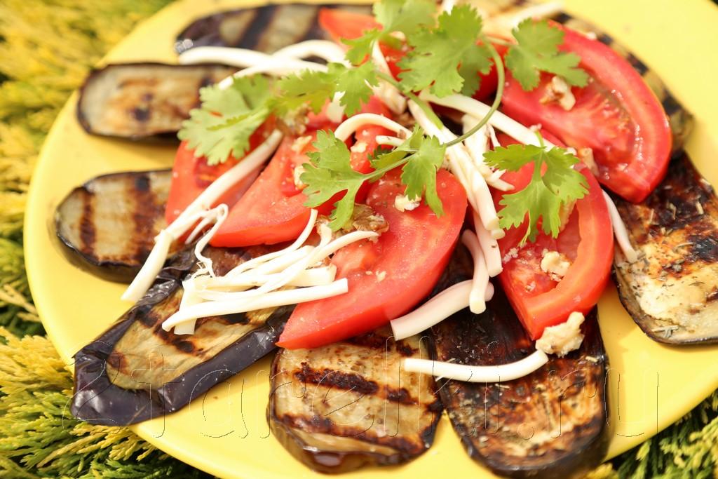Салат из баклажанов-гриль по-грузински