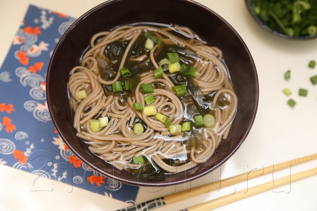 Суп с лапшой соба. Soba noodle soup