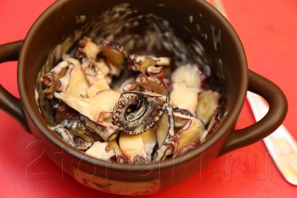 Средиземноморский салат с осьминогом 3