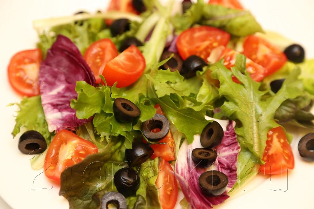 Средиземноморский салат с осьминогом 4