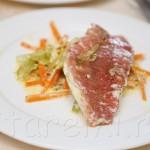 Форель с овощным жюльеном в сливочном соусе
