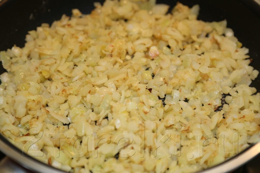 Кролик с орехами и изюмом в сметанном соусе 6