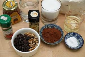 Шоколадная коврижка с орехами и изюмом 1