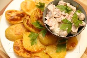 Печеная картошка с сосисками в горчичном соусе 6