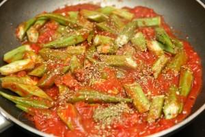 Бамия (окра) в томатном соусе 6