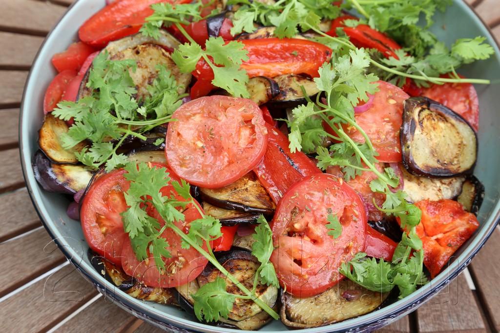 Пикантная овощная закуска-салат для шашлыка