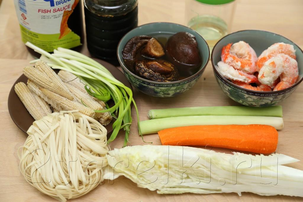 Грибной суп с креветками и овощами по-азиатски 1
