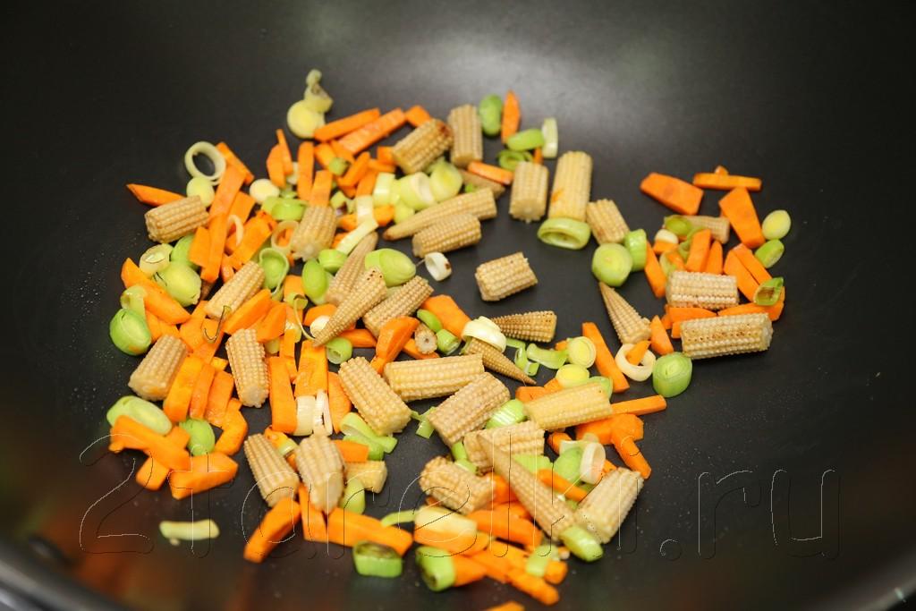Грибной суп с креветками и овощами по-азиатски 5