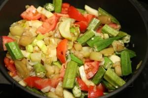 Овощное рагу с бамией (окрой) 10