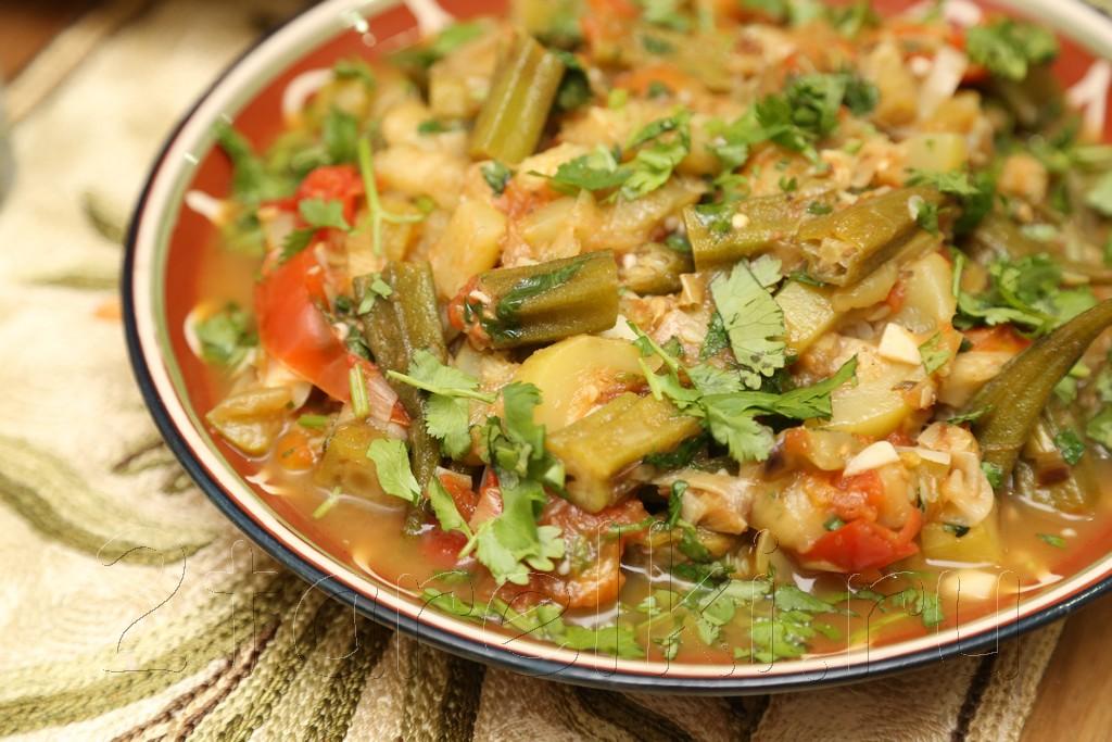 Овощное рагу с бамией (окрой)