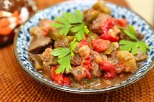 Говядина с овощами по-средиземноморски